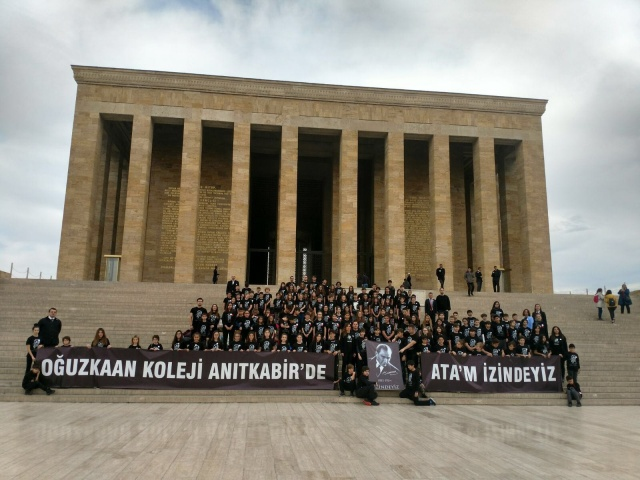 """Oğuzkaan Koleji Öğrencileri Anıtkabir'de, """"ATAM İZİNDEYİZ"""""""