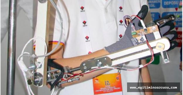 14 yaşındaki Artun, Mehmetçik için 'robot kol' geliştirdi