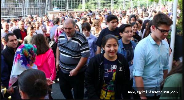 Öğrenciler TEOG'un yerine konulan LGS'de yarıştı