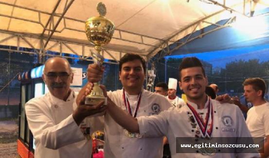 LAÜ 'uluslararası yemek yarışmas' kategorisinde birinci oldu