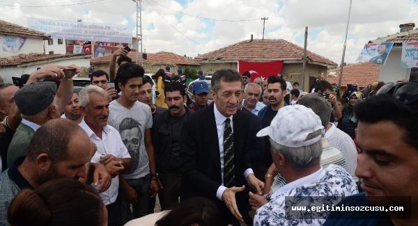 Milli Eğitim Bakanı Ziya Selçuk, baba ocağında