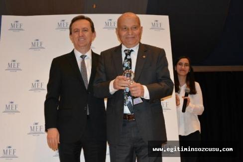 'Eğitimde Onur Ödülü' Fahamettin Akıngüç'ün oldu