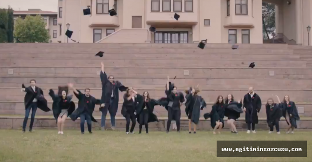 Koç Üniversitesi 26 ve 27'inci Dönem Mezunlarını verdi