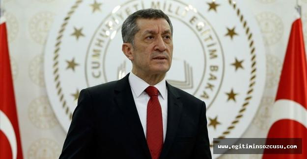 Milli Eğitim Bakanı Ziya Selçuk görevden alındı, yeni bakan Mahmut Özer