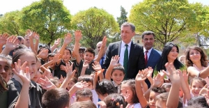 Bakan Selçuk: Her okul açtığınızda buradayım