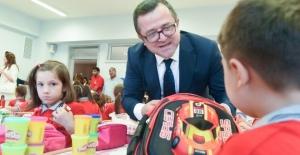 İlk okul çantası Fatih Belediyesi'nden
