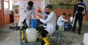 Koronavirüs, lisede dezenfektan üretimini 5 kat artırdı