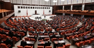 TBMM'de oylandı: CHP ve HDP'den üç ismin vekilliği düşürüldü