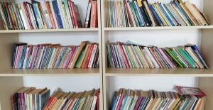 Topladıkları Kitaplarla Yüzlerce Öğrenciye Işık oldular