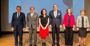 Kadir Has Ödüllerini bu kez bilim kadınları aldı