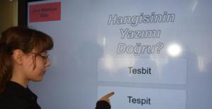 Lise öğrencileri interaktif yazım kılavuzu geliştirdi