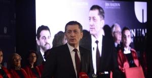 Bakan Selçuk ve Bilal Erdoğan İbn Haldun Üniversitesi mezuniyet törenine katıldı